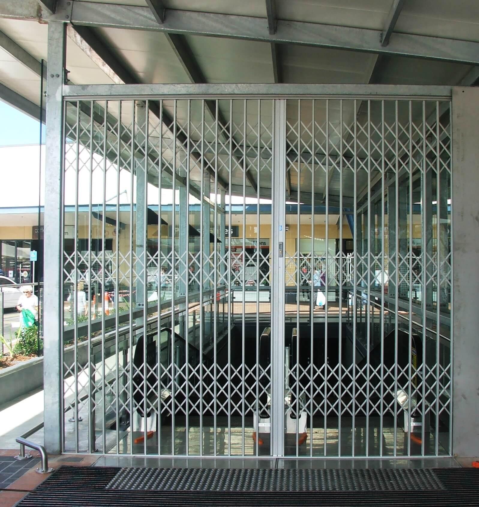 Sliding security gate s ™ aluminium door